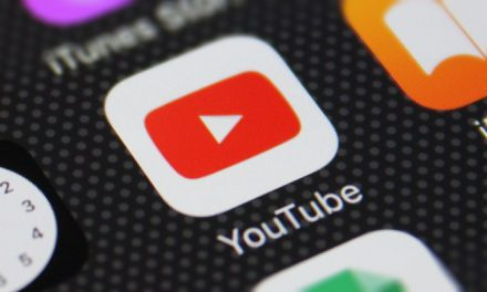 Google brings its AI-powered SmartReply feature to YouTube
